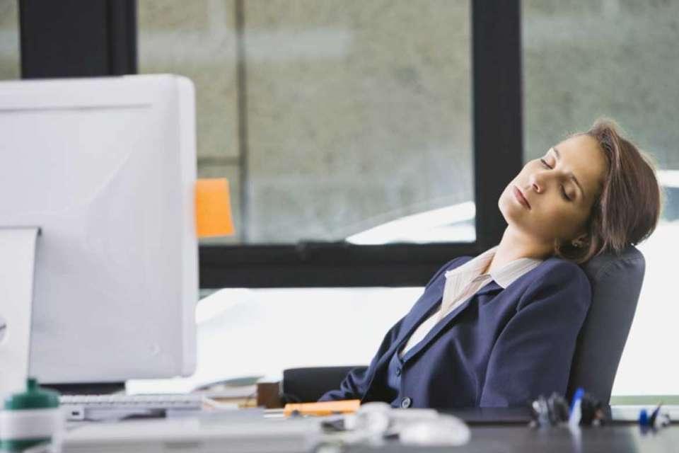 હંમેશા આવે છે ઉંઘ અને આળસ? અહીં જાણી લો તેની પાછળનું શું છે કારણ - GSTV